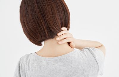 寝違えの原因と症状イメージ